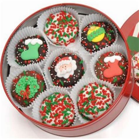 chocolate dipped and decorated oreos christmas cookies