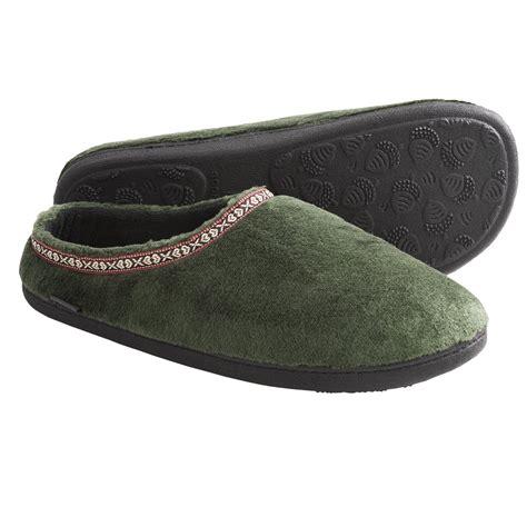 fleece house shoes acorn fleece slipper socks 28 images acorn fleece scuff slippers for 4969g save 67