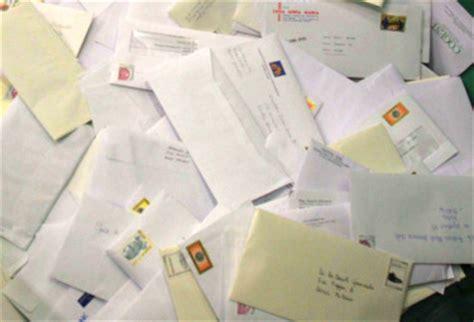 tariffe postali lettere il caso la cara tariffa postale che spedisce i poveri a