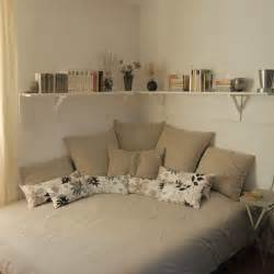 small bedroom ideas 25 best ideas about cozy small bedrooms on pinterest desk space uni dorm and ikea bedroom design