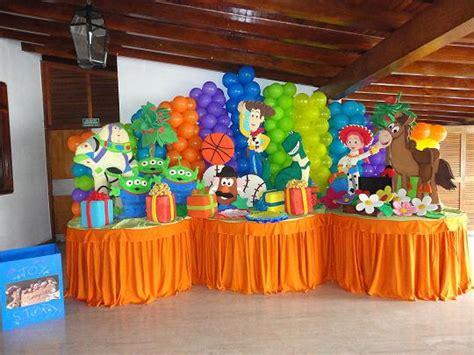 decoracion de mesas para fiestas infantiles decoraciones de fiestas infantiles pi 241 atas y centros de