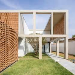 casa grid grid house bloco arquitetos archdaily