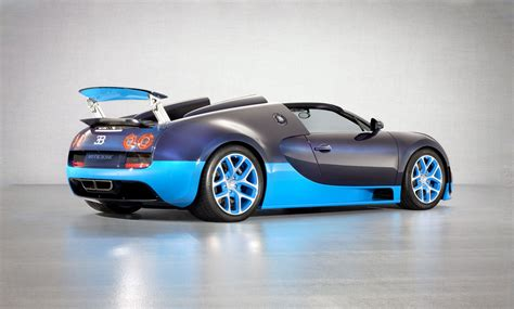 what year did the bugatti veyrone out veyron 16 4 grand sport vitesse bugatti