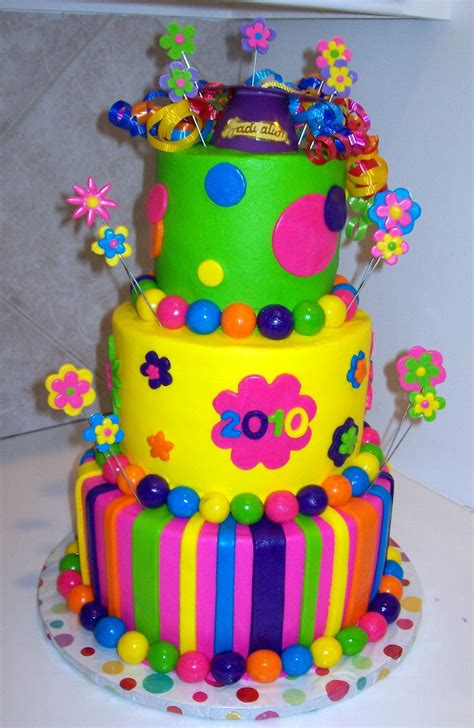 colorful birthday cakes colorful graduation cake wow cï â î ñ õ â â é akîµõ and