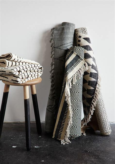 Teppiche Im Landhausstil by Moderne Teppiche Verleihen Dem Au 223 Enbereich Einen Coolen Look