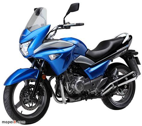 Suzuki Gw250s 铃木摩托车suzuki Gw250s 骊驰 靓车与美女 图库 摩配吧
