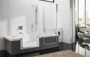 Walk In Showers At Lowes by This Doorless Walk In Shower Design Features An Open