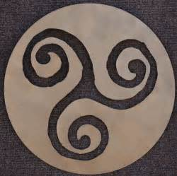 Triskelion triskele spiral celtic symbol cut out brown sy 04