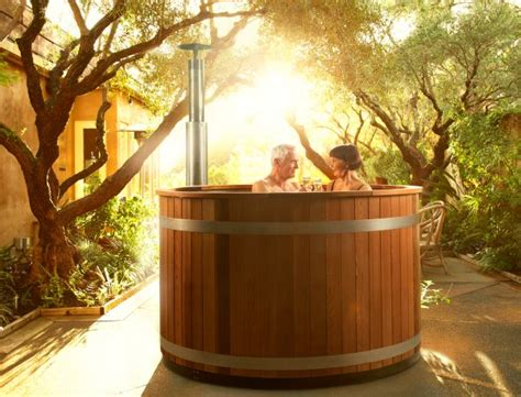 whirlpool außen aufblasbar whirlpool holzheizung badebottich modell 2 tub
