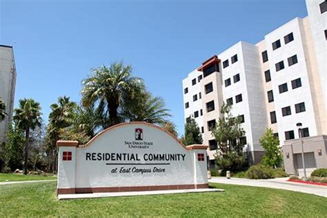 Sdsu Housing by Freshmen Move In With On Cus Housing The