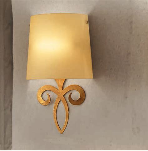 ladari in cristallo classici applique foglia oro 28 images applique 2 ferro battuto