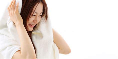 tutorial mencatok rambut yang benar body and mind cara mengeringkan rambut yang benar seperti