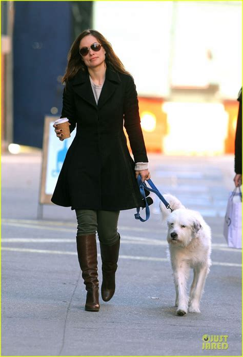 Olivia Wilde Coffee Run With Paco 04 View Image | olivia wilde coffee run with paco photo 2759587