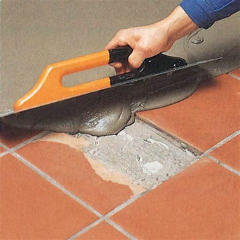 posare piastrelle su piastrelle le cinque regole per un perfetto pavimento in ceramica