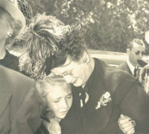 How Did Marylin Monroe Die carole lombard funeral photos 1942 related keywords