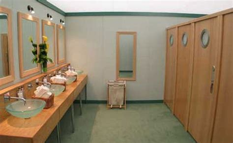 Rental Bathrooms For Weddings 5 Prettiest Portable Bathrooms For Your Wedding Jerry Garcia Shower Trailers For Rent