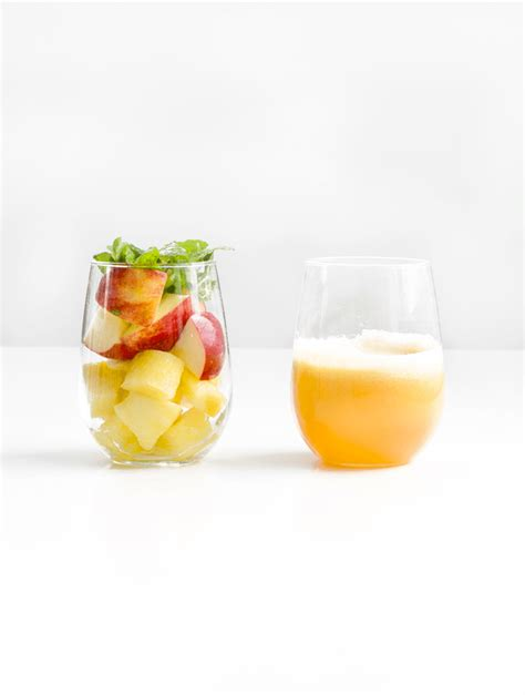 Apple And Pineapple Juice Detox Diet by Pineapple Apple Mint Juice Chic Sugar