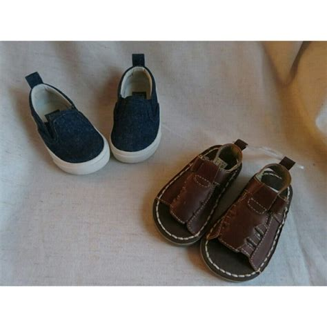 baby boy boat shoes size 4 39 off gap other nwt gap baby boy shoes size 4 sandals