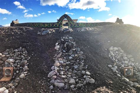 could an earthship biotecture save the world top secret michael reynolds lands self sufficient earthship at the