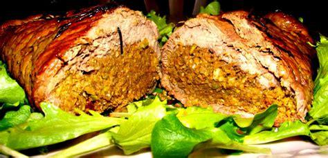 cucinare arrosto arrosto ripieno ai carciofi