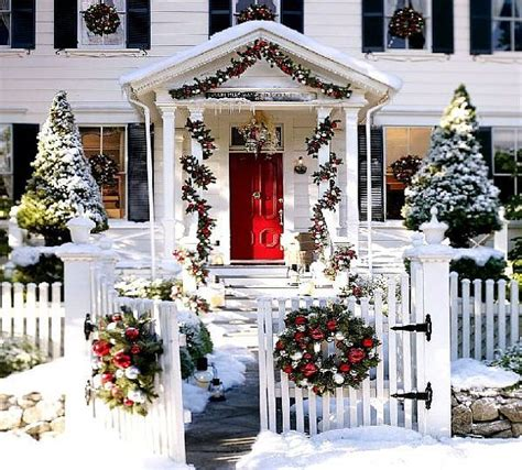 decorated christmas homes outdoor christmas decoration ideas