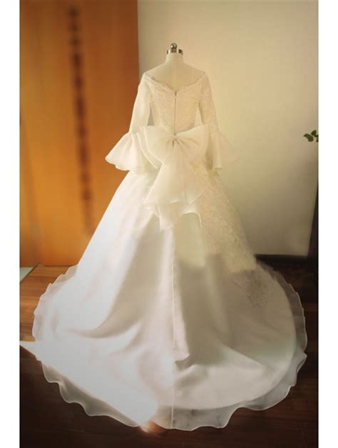 princess fair tale victorian style wedding dress