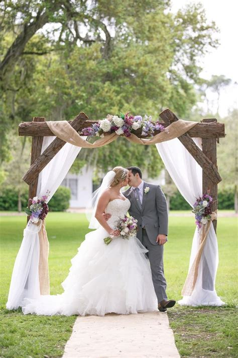 25 Chic and Easy Rustic Wedding Arch Ideas for DIY Brides ? Elegantweddinginvites.com Blog