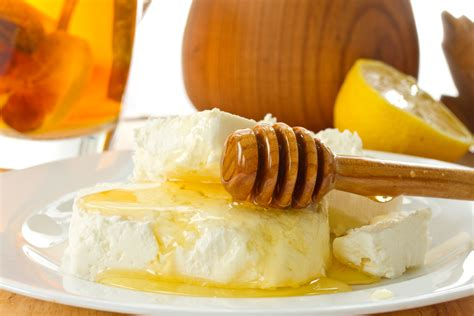 12 saving health benefits of organic and honey