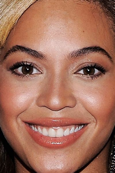 beyonce eye color almond colored