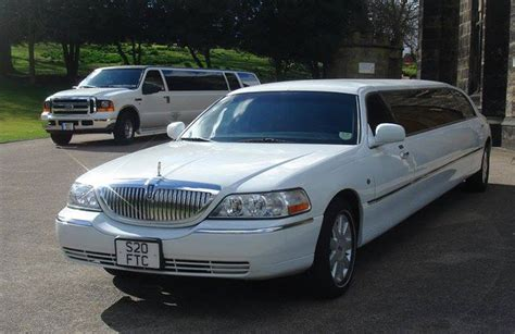 Local Limo Hire by Lincoln Stretched Wedding Limousine