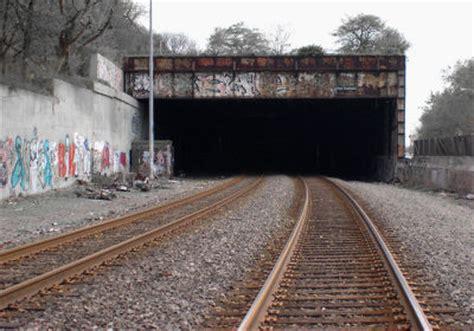 "bridgehunter.com | amtrak ""freedom"" tunnel"