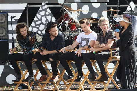 one direction members confirm break planned for some one direction to split for quot at least a year quot her ie