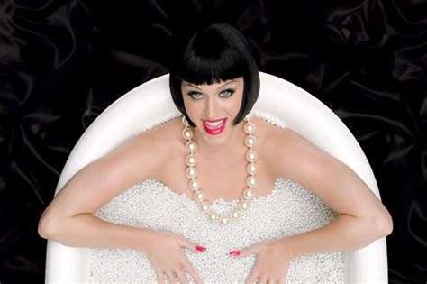 katy perry bathtub katy perry this is how we do video