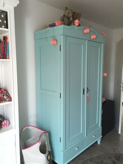 eckkleiderschrank kinderzimmer blau kleiderschrank f 252 r kinderzimmer toller alter schrank aus