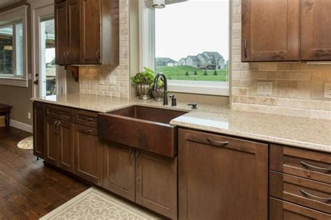 apron sink with backsplash 17 best images about homes iowa kitchens on island pendants pot filler and
