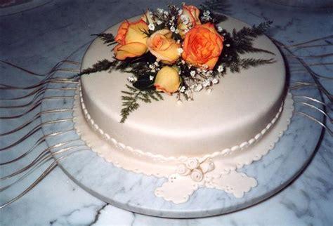 tortas decoradas  flores naturales  cintas buscar