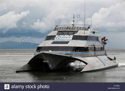 quicksilver boat port douglas dive boat and great barrier reef stock photos dive boat