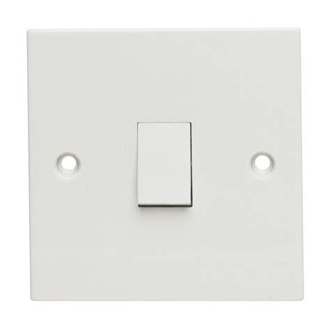 two way light switch wilko light switch 2 way 1 gang octer 163 1 00