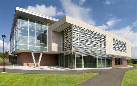 Southern Illinois University Edwardsville Art & Design
