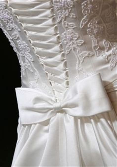 Wedding Dress Zip To Corset by 1000 Images About Wedding Dress Alterations On