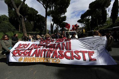 porta di roma 25 aprile roma 25 aprile la manifestazione anpi a porta san paolo