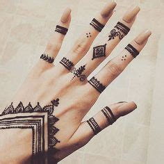32 simple and easy mehndi designs for beginners step by