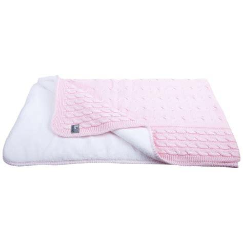kuscheldecke kaufen zopfmuster kuscheldecken f 252 r m 228 dchen in klassischem rosa