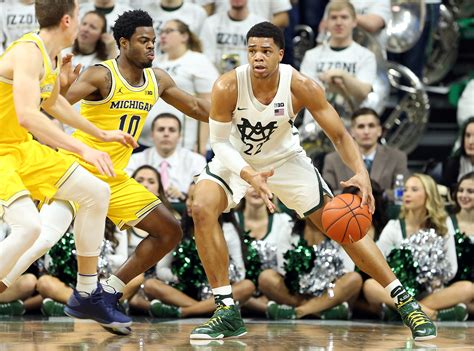 michigan state basketball michigan state picks up crucial conference win michigan