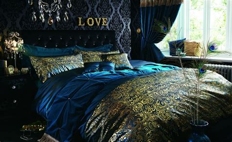 peacock bedrooms damask wallpaper elegance for today s modern homes