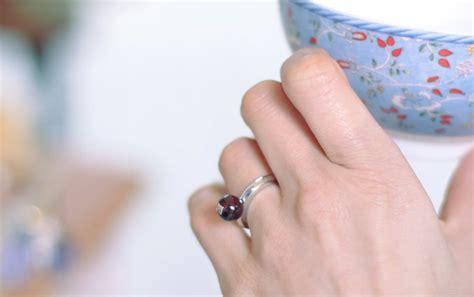 Oudys Bracelet White Cherry Jam Tangan Fashion editor of vogue aliona doletskaya became the of the jewelery brand