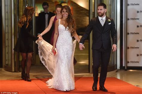 Syakira Dress Ori Best Seller lionel messi marries antonella roccuzzo in argentina daily mail