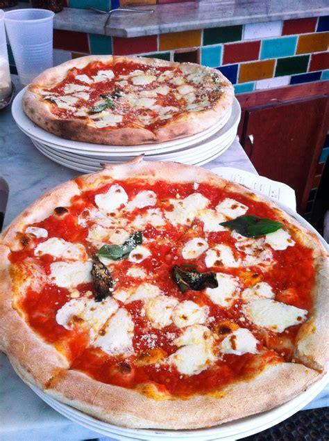 neapolitan pizza like a master pizzaiolo