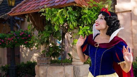 neve cbell meet and greet meet snow white in germany pavilion walt disney world resort