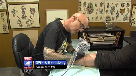 tattoo expo kansas city tattoo shop offers free royals tattoos fox 4 kansas city